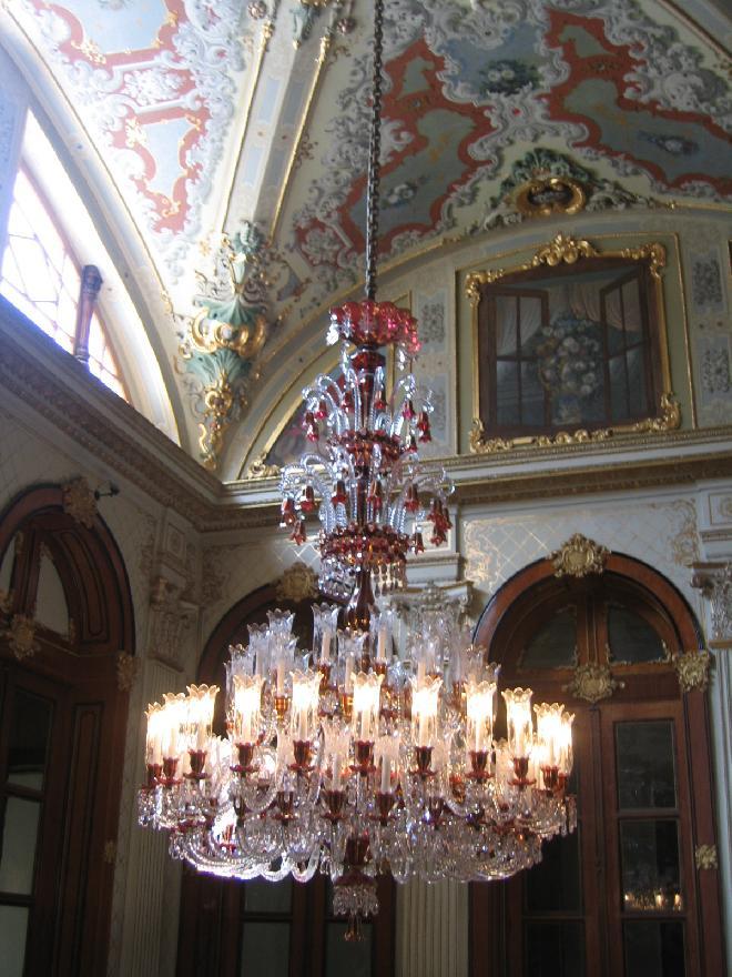 Crystal chandeliers - Dolmabahçe Sarayı