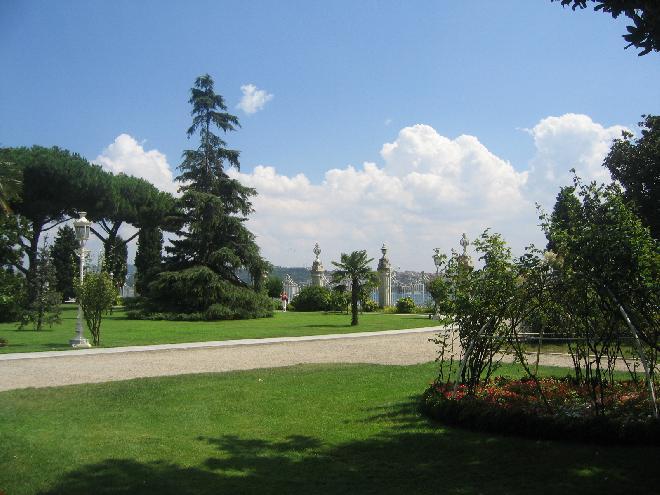 Dolmabahçe Palace - Garden