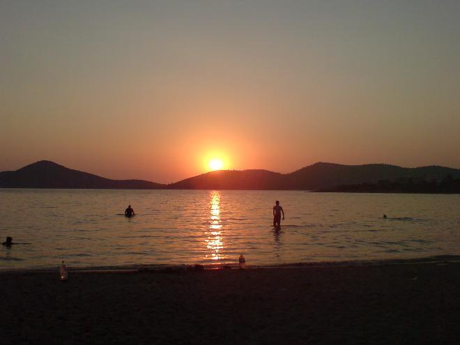 a sunset swım