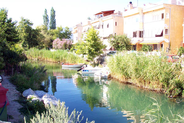 river in Küçükkuyu
