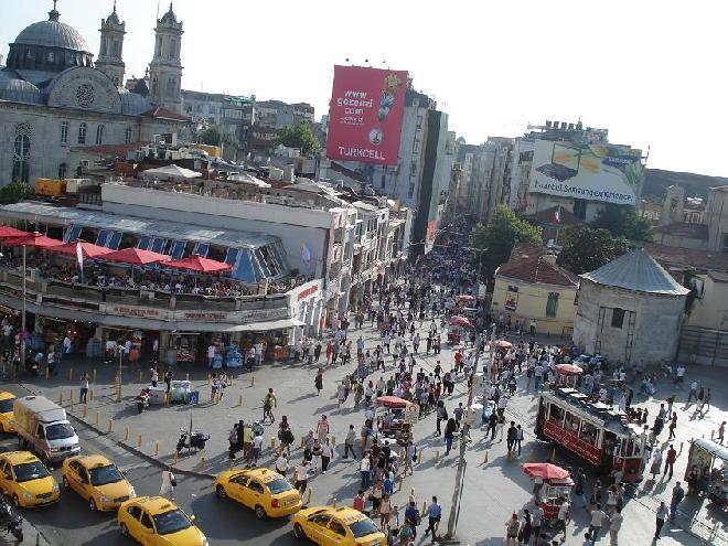 Taksim ve Istiklal Caddesi