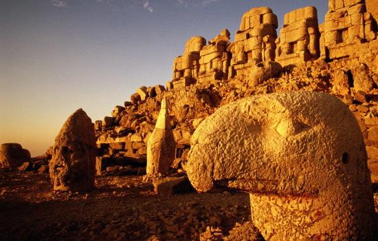 King heads on Mount Nemrut