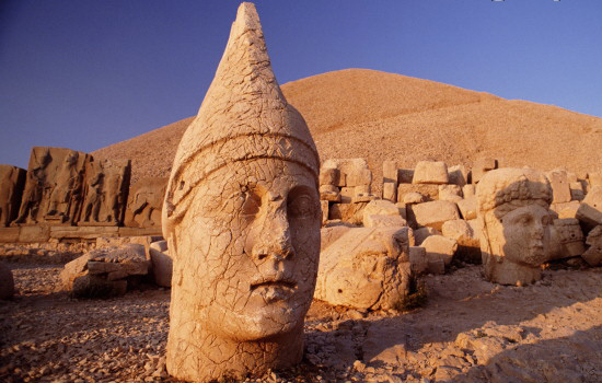 Mount Nemrut statues