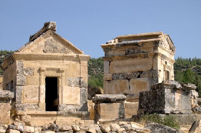 Hierapolis – The necropolis
