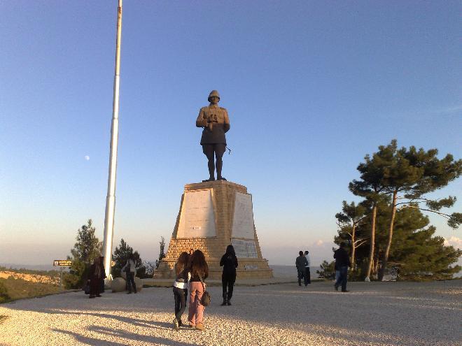 Atatürk Statue by the Çanakkale Memorial