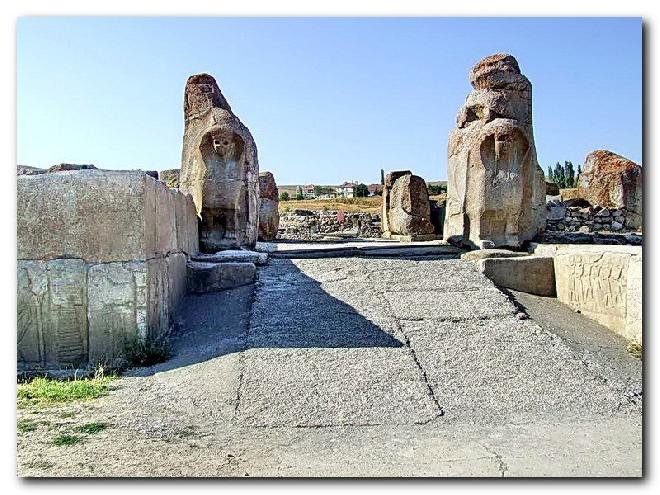 Alacahöyük – The Sphinx Gate
